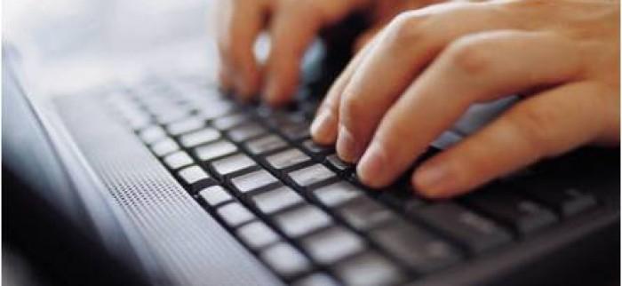 manos-en-teclado